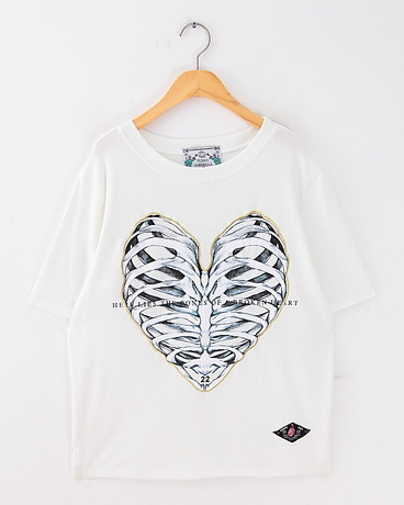 Bones of a Broken Heart Print T-shirt – Glamzelle