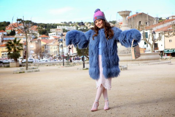 vintage traffic blogger fluffy pom pom beanie coat sweater skirt bag hat shoes