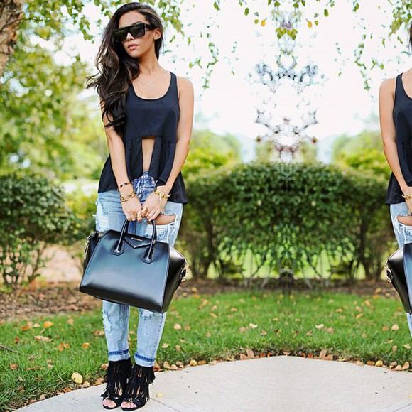 blouse jeans denim carli bybel blogger outfit casual casual chic fringe shoes