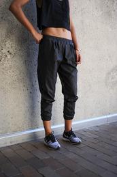 pants,black,girl,leather,long,cool,tumblr,fit,tummy,tan,hot,black pants,baggy pants,black leather pants,baggy,sweatpants,cute,workout,exercise shoes,black top,tumblr girl,skinny,hello,tank top,pleather,waaaantt,helpplease.