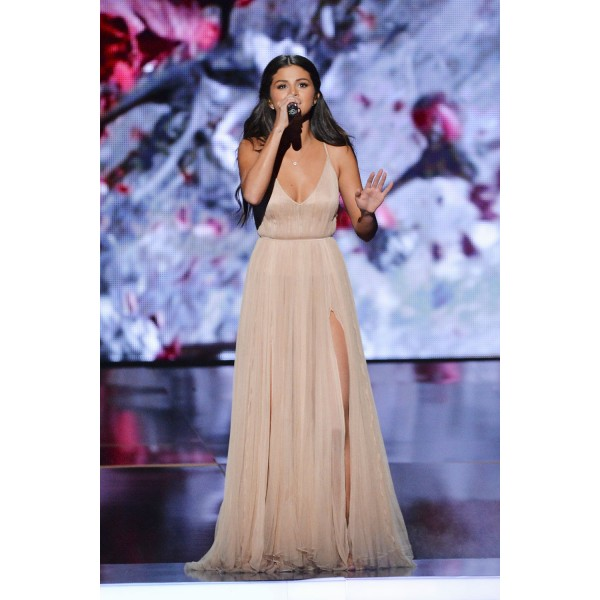 Selena gomez blush prom dress 2014 american music awards