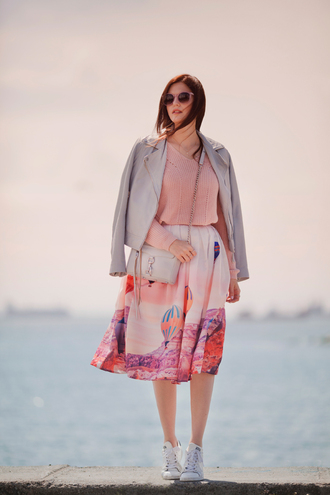 the bow-tie blogger jacket sweater skirt shoes bag