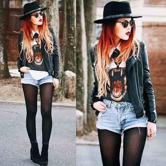 sweater lion jumpers hat happy grunge style fashion fashionista i need money awesome style black blouse lion blouse black boots vintage soft grunge shoes top le happy cute