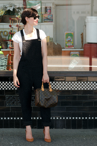 coco and vera t-shirt shoes bag jewels sunglasses sézane