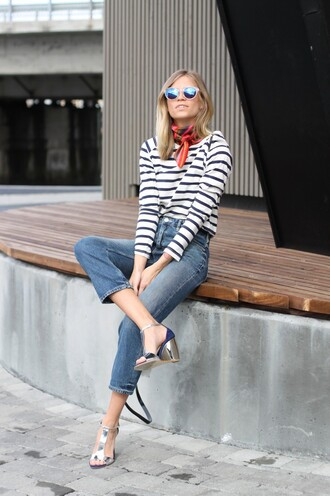 the fashion eaters blogger striped top metallic shoes