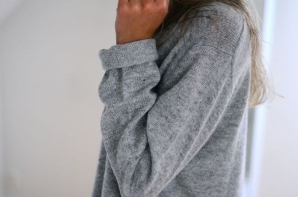 sweater grey sweater grey jumper nice t-shirt grey fall outfits fall sweater comfy lovely shirt grey sweater cardigan