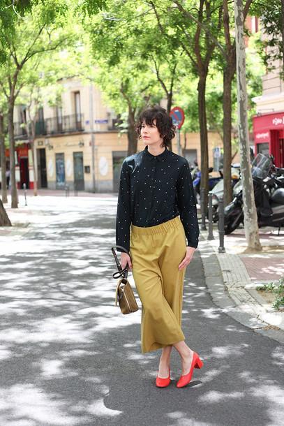 che cosa blogger shoes pants shirt jewels bag