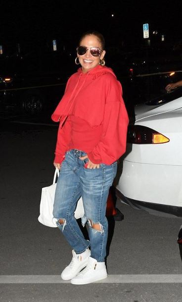 sweater hoodie red jennifer lopez sneakers streetstyle fall outfits