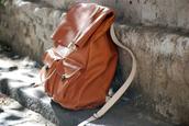 bag,brown,leather,backpack,pockets,vintage