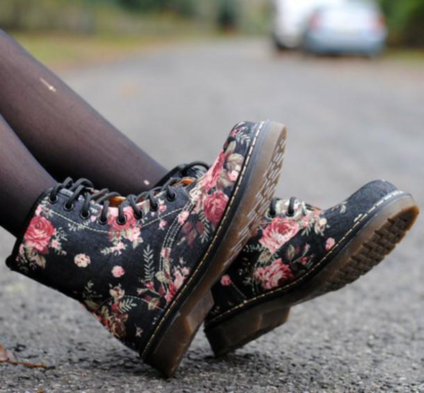 shoes DrMartens floral print shoes