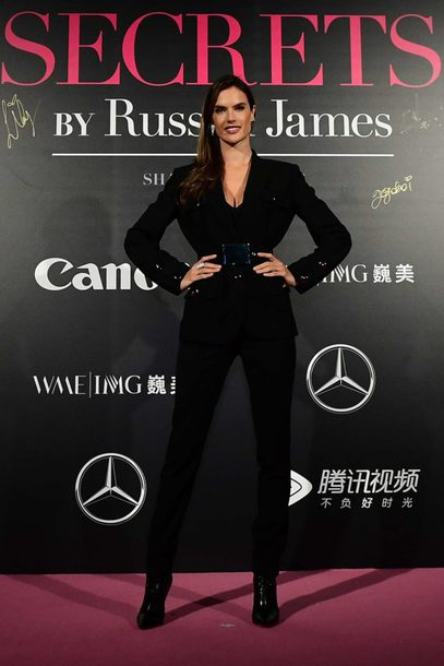 jacket blazer black blazer pants suit alessandra ambrosio all black everything model