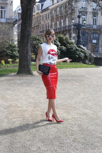 from brussels with love blogger top skirt shoes bag jewels red skirt red heels spring outfits clutch