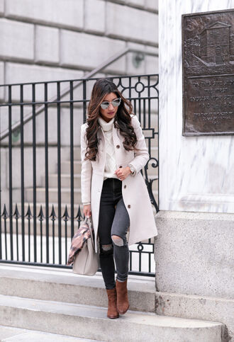 extra petite blogger jeans bag coat sweater scarf hat shoes turtleneck sweater ankle boots winter outfits fall outfits tumblr white coat white sweater turtleneck cable knit white cable knit sweater grey jeans ripped jeans boots brown boots sunglasses mirrored sunglasses winter look