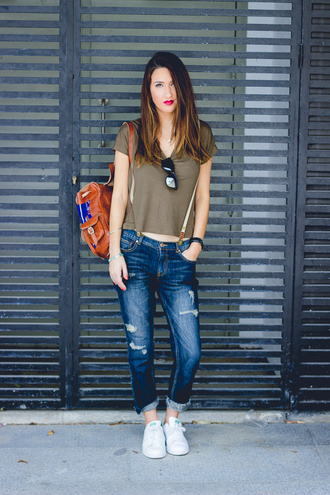 shoes and basics blogger t-shirt suspenders ripped jeans leather backpack