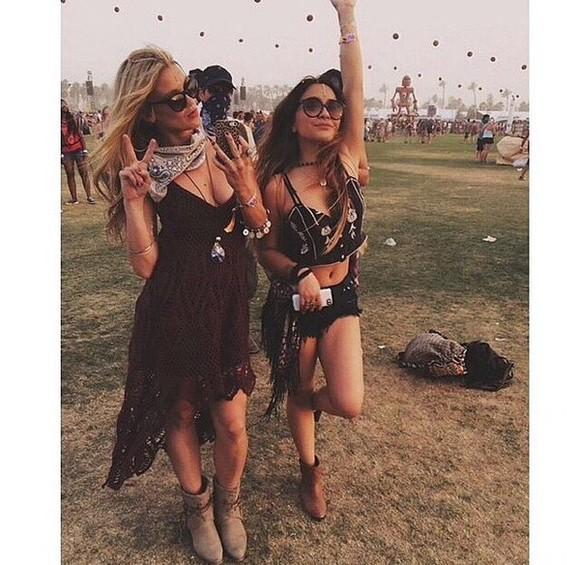 festival boho hippie black red