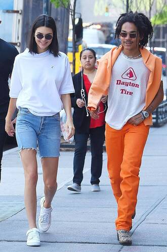 shorts denim shorts kendall jenner kardashians streetstyle model off-duty sneakers spring outfits