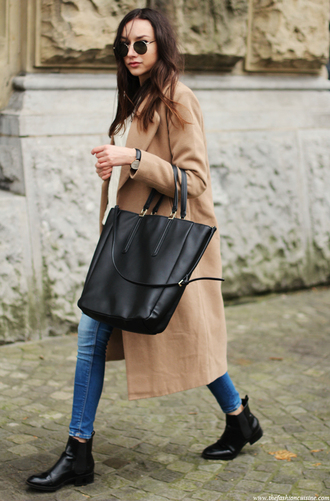 the fashion cuisine blogger jeans sunglasses leather bag tote bag camel coat long coat french girl style camel long coat bag celine celine bag black zippers gloves zip shopper long high