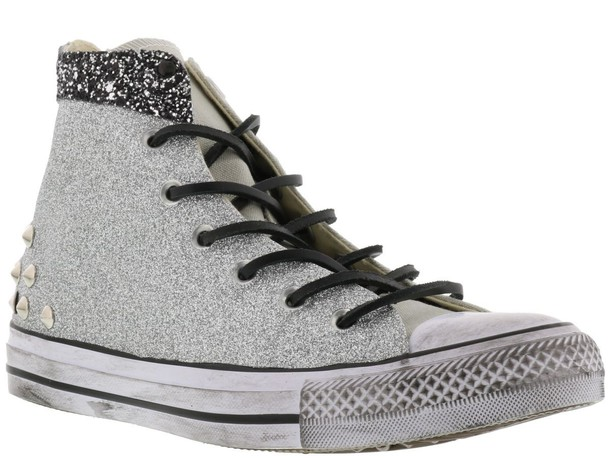 converse grey shoes