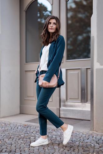 simple et chic blogger jacket pants shirt shoes bag