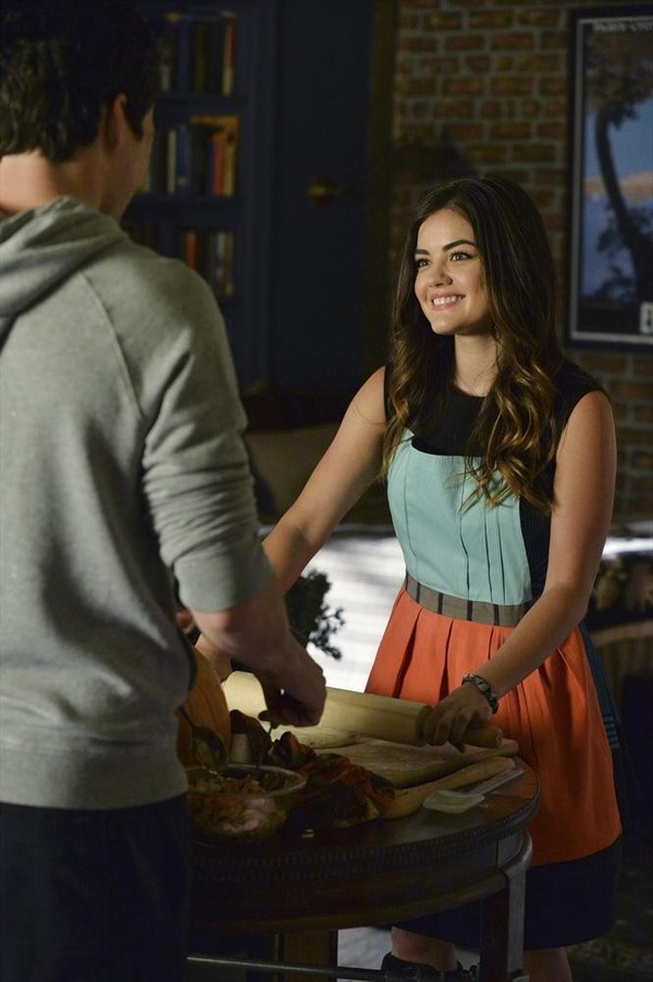 dress apron pretty little liars aria montgomery lucy hale