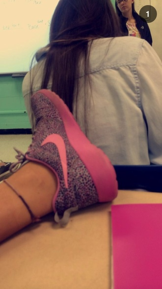 shoes nike nike roshe run pink cute summer outfits speckles sporty style love more nike free run trainers running shoes sportswear athletic