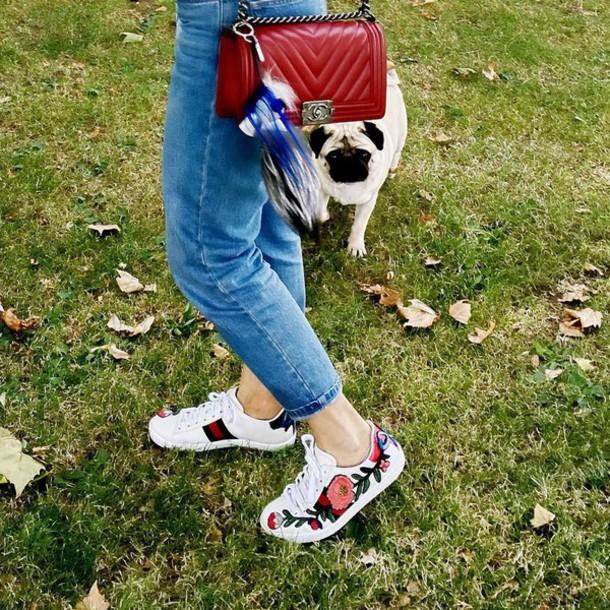 shoes gucci ace sneakers gucci gucci shoes sneakers white sneakers low top sneakers floral sneakers denim jeans blue jeans bag red bag chanel chanel bag chanel boy fur keychain bag accessoires