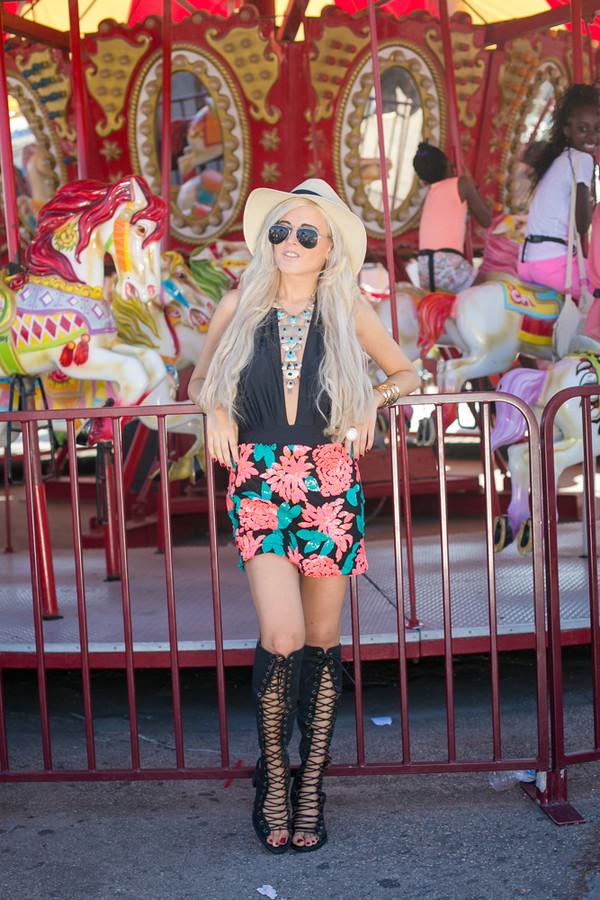 i hate blonde skirt jewels