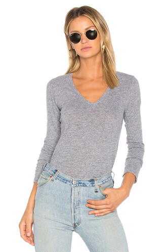 long v neck top