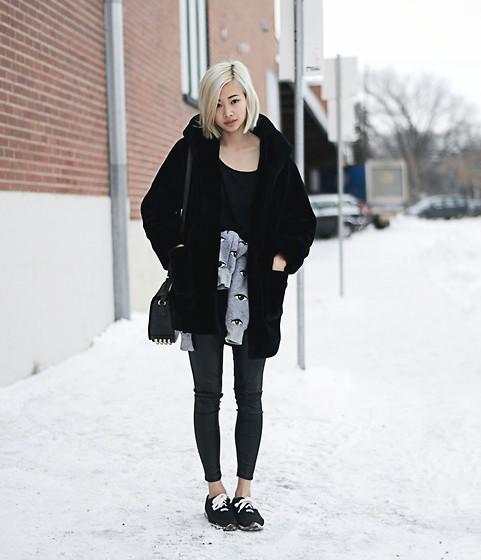 Www.Ordinarypeople.Ca Outfit Details - Still dark when I close my eyes - Alyssa Lau | LOOKBOOK