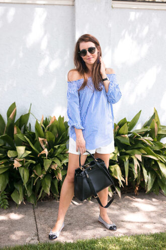 dallas wardrobe // fashion & lifestyle blog // dallas - fashion & lifestyle blog blogger blouse shorts bag sunglasses blue top black bag ballet flats white shorts summer outfits