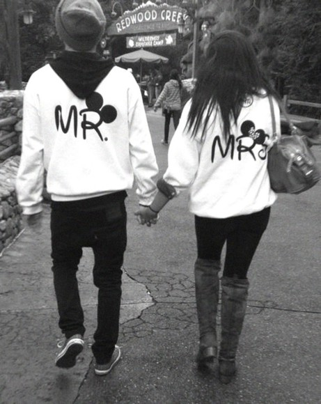 mickey mouse couple minnie mouse sweater sweater disney logo mr. mrs. minnie mouse jacket mickie mouse jacket white black blouse hipster mickey and minnie disney sweater jacket couples couples sweater cute sweaters love mr and mrs
