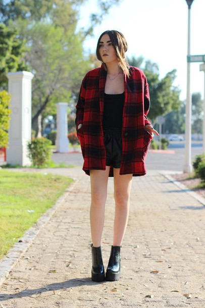 platforms for breakfast blogger coat top shorts shoes leather shorts