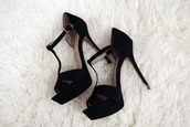 shoes,black high heels,high heels,heel,heels,black,plateau,plateau shoes,shoes heels black,black heels,classy,hipster,pumps,white dress,high,white,black shoes,sandal heels,high heel sandals,black pumps