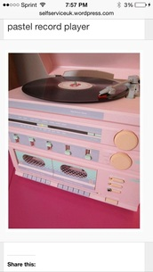 bag,yellow,shirt,radio,shoes,record,record player,home accessory,home decor,girly wishlist
