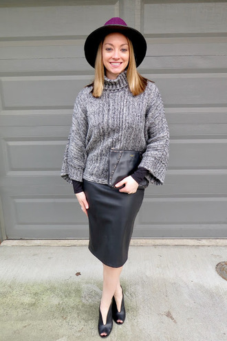 avecamber blogger sweater top skirt shoes hat felt hat leather skirt grey sweater