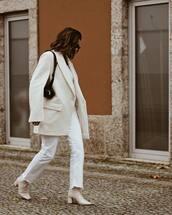 coat,white coat,white boots,white jeans,black bag,white top