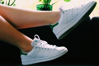 shoes white shoes sneakers adidas vans nike nike shoes nike running shoes white streetstyle tumblr indie
