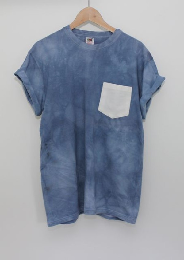 t-shirt pockets white blue pocket t-shirt tie dye shirt shirt t-shirt acid wash light blue tie dye cute love tie dye forever 21 clothes top grey pocket t-shirt blue shirt white pocket tie dye tumblr shirt