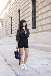vintage shoes for her,sunglasses,shirt,bag,shoes