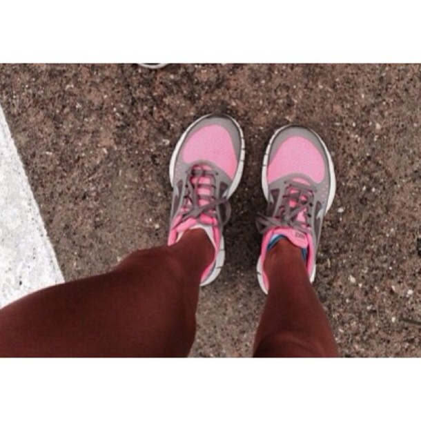 fitness sneakers pink
