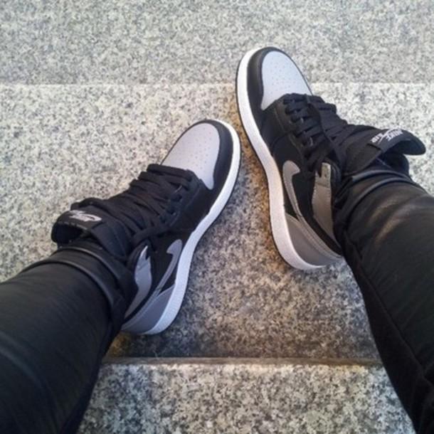 shoes, swag, nike, nike dunks, silver
