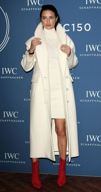 dress coat boots adriana lima model off-duty winter outfits winter coat turtleneck dress turtleneck shoes