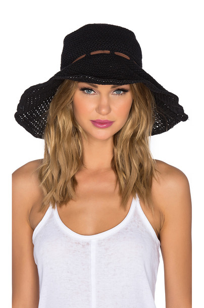 ále by alessandra hat black
