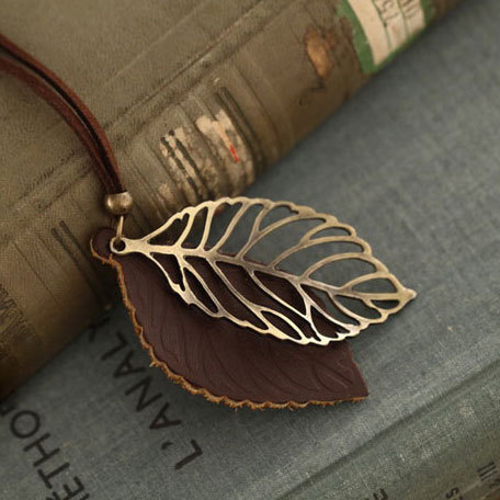 shopbazar shopping mall — [grzxy61000035]Vintage Antique Bronze Cutout Leaf Pendant Necklace