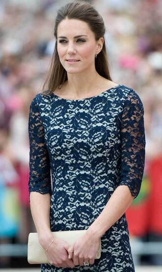 dress kate canada blue queen white fly style smile women girl brown hair william king england fashion pumps high kate middleton important high heels
