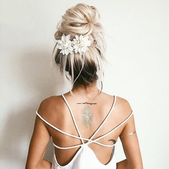 top hairstyles hair accessory floral hair bow hair/makeup inspo hair bun hair adornments blonde hair fake tattoos tattoo gold white white top all white everything backless white dress backless