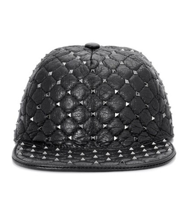 Valentino Garavani Rockstud leather hat in black