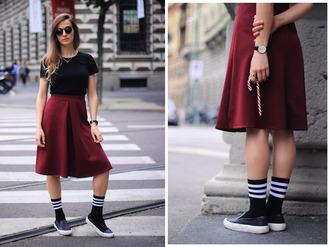 fashion quite blogger midi skirt burgundy skirt socks slip on shoes