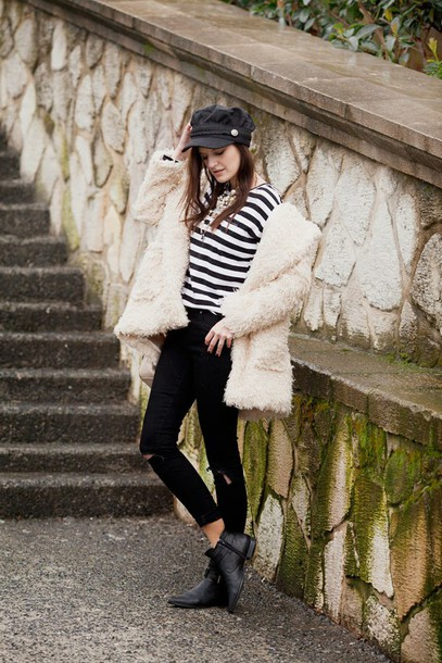 the bow-tie blogger coat jeans t-shirt bag jewels