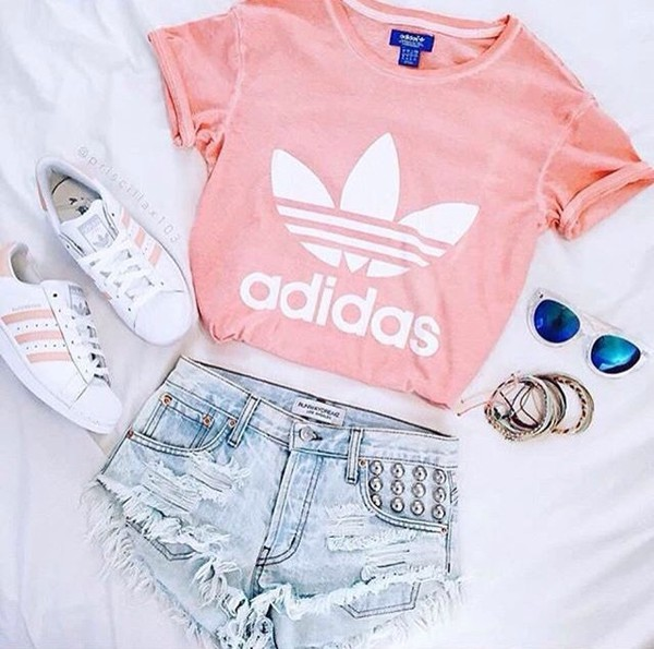 shorts adidas summer outfits outfit adidas shoes adidas superstars sunglasses sneakers t-shirt blue sunglasses